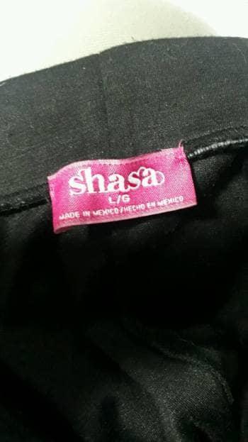 Foto Carousel Producto: Falda negra de la marca sasha.  GoTrendier