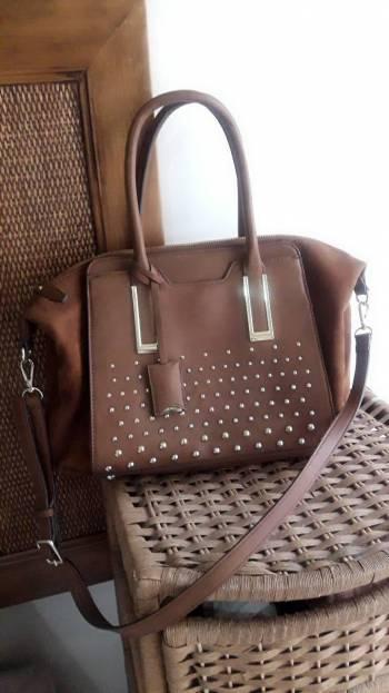 Foto Carousel Producto: Bolsa de piel marrón GoTrendier