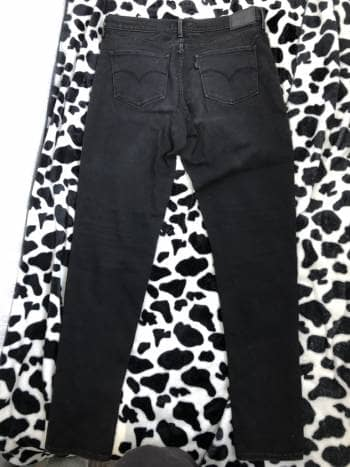 Foto Carousel Producto: 2 pantalones Levi's GoTrendier