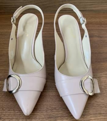 Foto Carousel Producto: Zapatillas nude GoTrendier