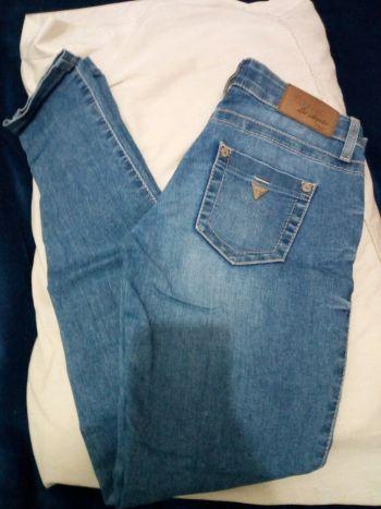 Foto Carousel Producto: Jeans pegaditos de guess GoTrendier