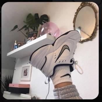 Foto Carousel Producto: Nike Air Monarch X Martin Rose IV  GoTrendier