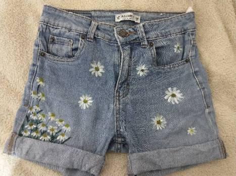 Foto Carousel Producto: Shorts con margaritas GoTrendier