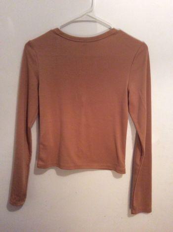 Foto Carousel Producto: Blusa cortita y collar GoTrendier