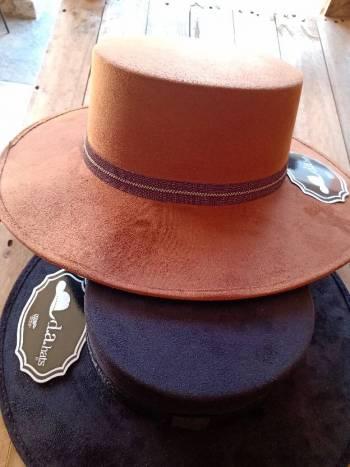 Foto Carousel Producto: Nuevo sombrero Camel GoTrendier