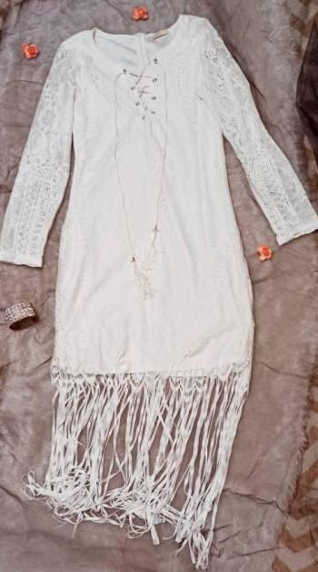 Foto Carousel Producto: Vestido blanco tipo encaje GoTrendier