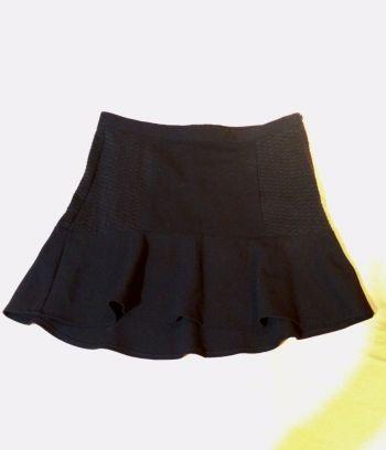 Foto Carousel Producto: Falda negra corte A GoTrendier