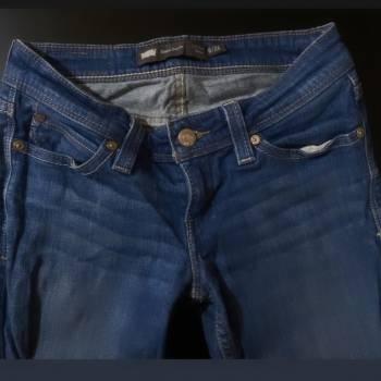 Foto Carousel Producto: Pantalon levis talla 24 perfecto estado  GoTrendier