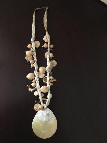 Foto Carousel Producto: Collar de concha nacarada 2x1 GoTrendier
