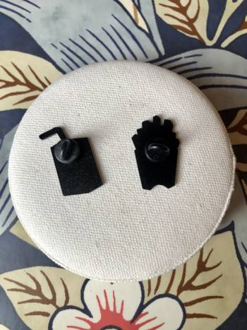 Foto Carousel Producto: Set pins metalicos  GoTrendier