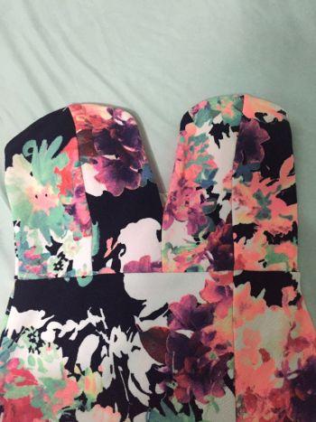 Foto Carousel Producto: Vedtido strapple flores GoTrendier