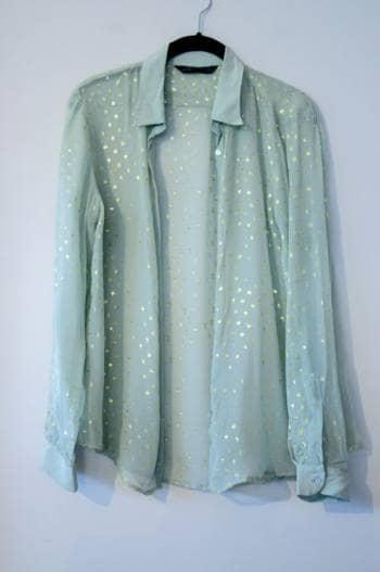 Foto Carousel Producto: Blusa verde con dorado GoTrendier
