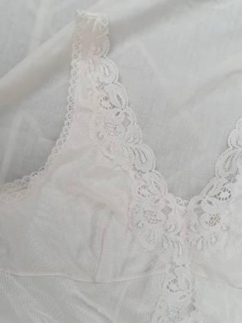 Foto Carousel Producto: 2x1 Blusa lencera color hueso  GoTrendier