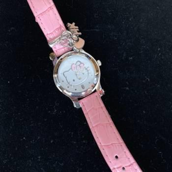 Foto Carousel Producto: Reloj de piel Hello Kitty GoTrendier
