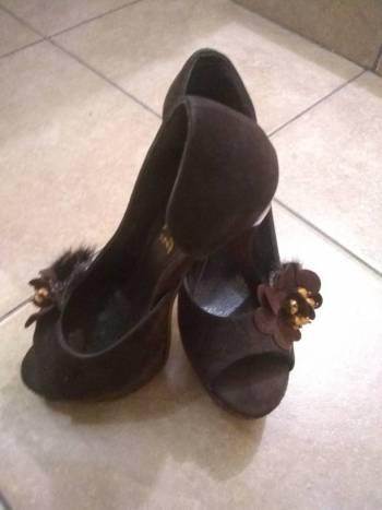 Foto Carousel Producto: Zapatillas Yaeli ? GoTrendier