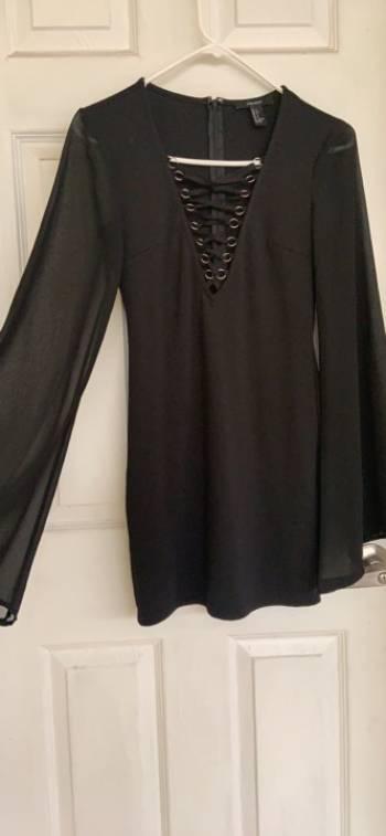 Foto Carousel Producto: Vestido con escote y manga larga  GoTrendier