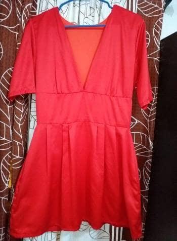 Foto Carousel Producto: Vestido corto con escote GoTrendier