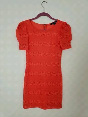 Foto Carousel Producto: Vestido rojo de encaje GoTrendier