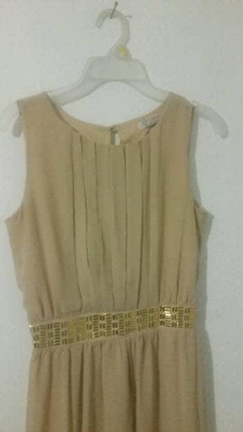 Foto Carousel Producto: Vestido Beige GoTrendier