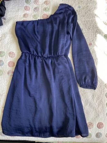 Foto Carousel Producto: Vestido corto azul, una manga GoTrendier