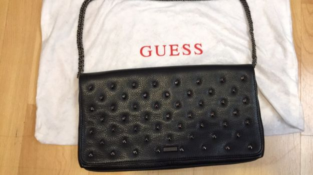 Foto Carousel Producto: Bolso piel Guess GoTrendier